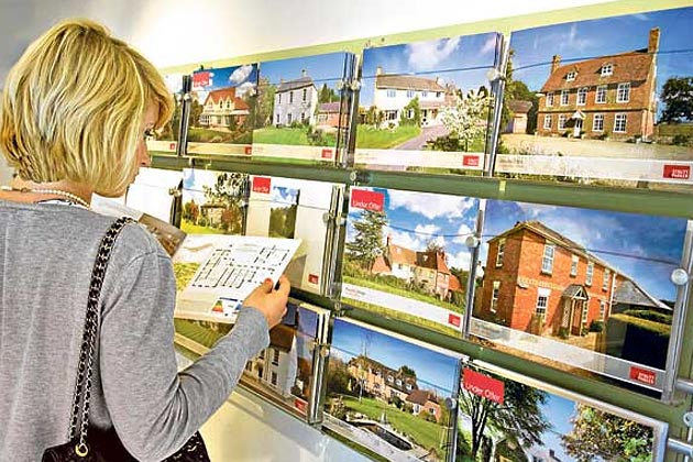 Mortgage lending slows in UK property market